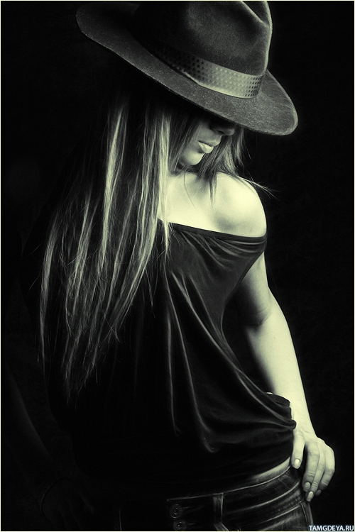 Картинка с девушкой с длинными ...: avatarko.ru/kartinka.php?id=2024
