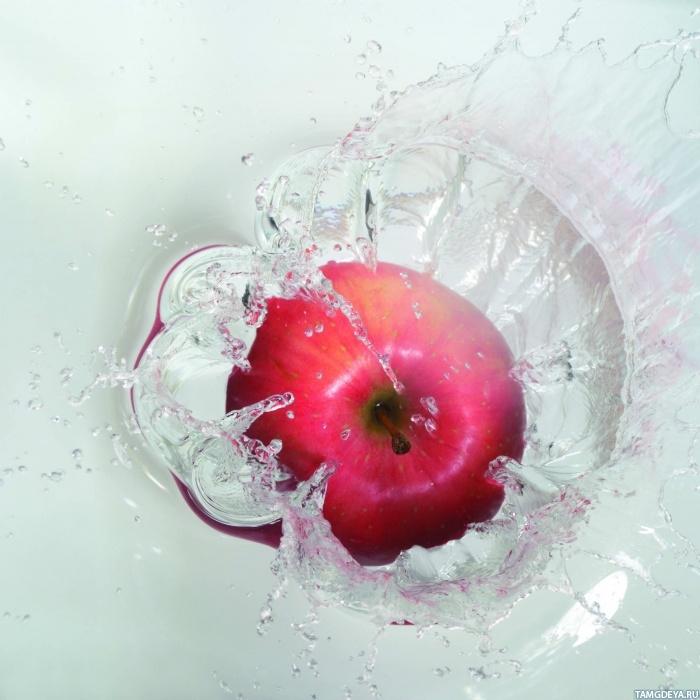 Яблоко падающее в воду | Аватар с ...: avatarko.ru/kartinka.php?id=1339
