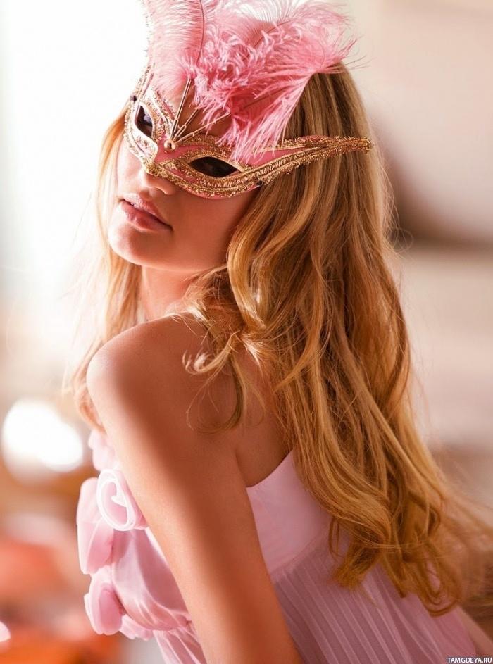 Девушка с длинными светлыми волосами ...: avatarko.ru/pic.php?id=55681
